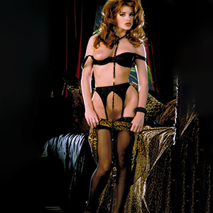 Rula young and shy companion for French with her as well as flirting about sex mediation at Escort Berlin make an anonymous sex appointment