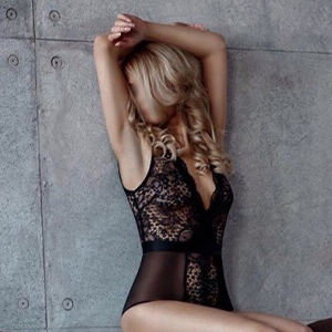 Anjuta leisure time escort for deep kisses with tongue with discreet popping through escort agency Frankfurt arrange a short-term sex meeting