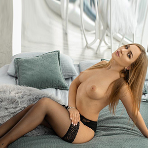 Amanda - Sextreffen in NRW Oberhausen mit Escort Ladie im Stundenhotel