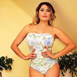 Anna - Busty Housewives from Latvia on Home visits is looking forward to Spanish