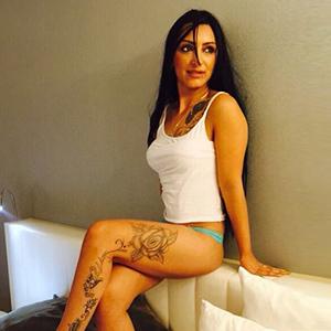 Chantal - Junges Escort sucht Sex im Online Portal