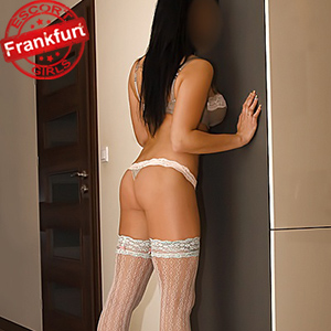 Cindy – Bizarre Slave Fetish SM Sex Games Escort Frankfurt