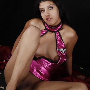 Slim Petite Damla Offers Intimate Sex Dating