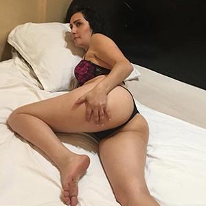 Dani - Ältere Frau geht für Sex aufs Zimmer nach dem Begleitservice