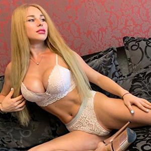 Erika 3 - Escort Berlin Dame blond bringt dich mit Zungenküsse zur Extase