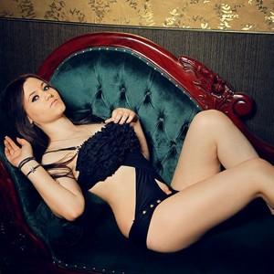 Ewa Escort Teen bietet Haus Hotelbesuche für AO Sex