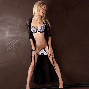 Flory - Sie sucht Mann eine sehr dünne Escort Hure mit Anal Sex Service