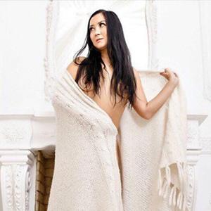 Karina - Privatmodelle aus Slowakei bei Reisebegleitung beglückt mit sinnliche Zungenküsse