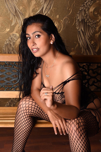 Karmen – Diskrete Sex Treffen im Hotel oder Zu Hause