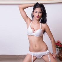 Katalea – Perfektes Single Teenie Girl auf Partnersuche