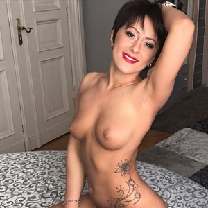 Kendra - Lesbians from Netherlands at She is looking for delighted Sex with Facesitting