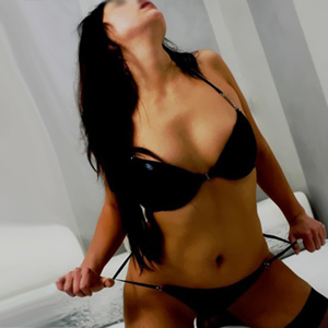 Lee Ann - Thailand Escort Model Zierlich Kleine Asiatin