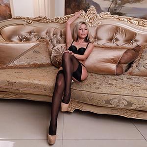 Lika 2 - Mageres Model aus der Agentur bietet Sex Erotik Outdoor