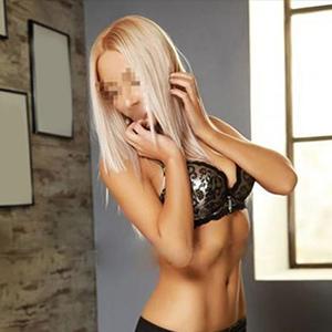 Londa - Blonde Escort Dame aus Iserlohn bei Partnersuche erfreut abwechselnd mit 2 Männer