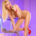 Natasha 2 – Zierliches & Langbeiniges Escort Girl in Berlin