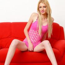 Nicoletta - Dünne blondine für alle Sex Stellungen zu haben