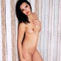 Nina - Diskrete Freizeitkontakte mit zierlichen Top Huren