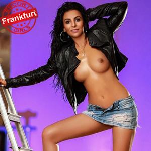 Nur - Türkin zierliche & reife Sie sucht Mann in Frankfurt für Sex