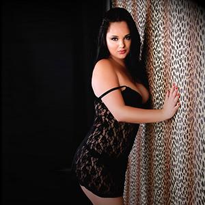 Ornela - Sexy Privatmodell Sucht Männer für Sextreffen