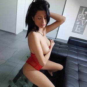 Rebecca - Privatmodelle Berlin Top Figur erotische Titten suchen Sex