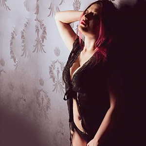 Renate - Call Girls Mönchengladbach From Europe Woman Seeks Man Likes Beguiling Foot Eroticism