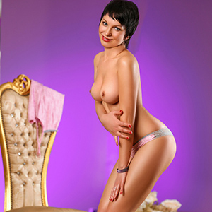 Roxi - Single Escort Lady Is Looking Him For Anal Sex In Berlin