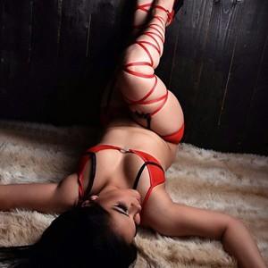 Samira 2 – Erotische Massagen Berlin mit Sex und Habby End