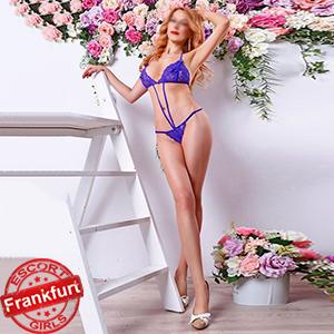 Sandra - Enchanting Hours With Elite Callgirl Glamor In Frankfurt