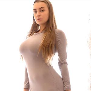 Sandra Sweet - Privathuren aus Duisburg bei Sie sucht Sex berückt mit Straps und High Heels