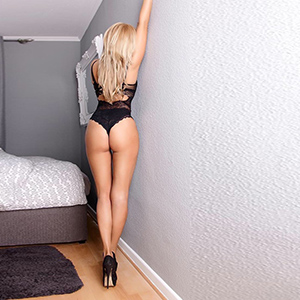Sarah 3 - Escort Agency For Discrete Infidelity With Slave Models