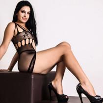 Selena - Junge zierliche lesbische Frau sucht Mann