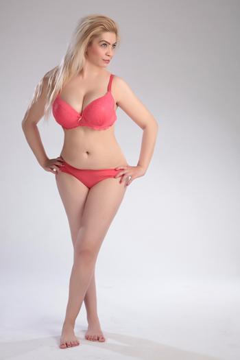 Sonya 2 - Anal Sex Polin blond Top Callgirls Berlin & Umland