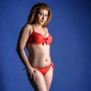 Teti - Versaute Hobby Rubensmodelle bieten Sex gegen wenig Geld