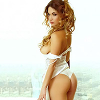 Thalia - Top models from Italy at the Fling offer Special Oil Massage