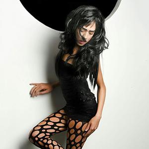Trans Jolie - AV Sex zierlich Teenie Shemale in Berlin mit Penis